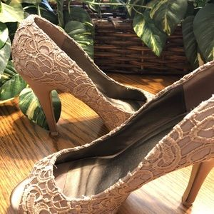 Shoes - Gorgeous pair of embroidered shoes from Paris, SZ8